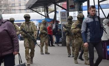 На Тернопільщині працівники СБУ перевіряють вокзали та вулиці (фото)