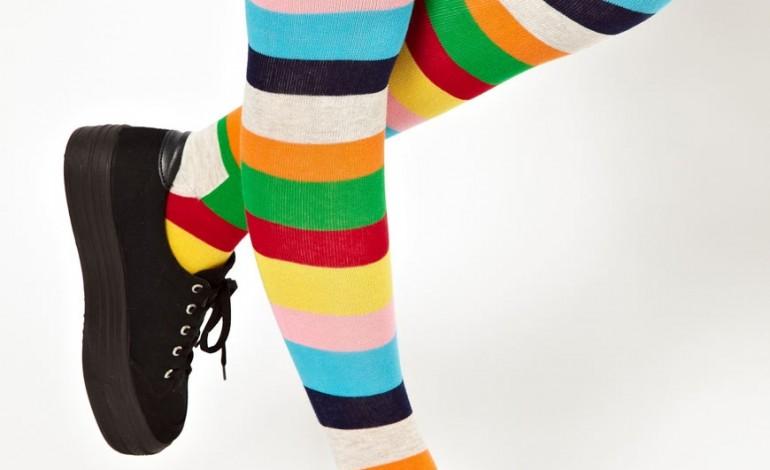 Дівчата крали з супермаркету шкарпетки