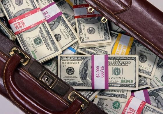 Земельник взяв хабар 220 тисяч гривень