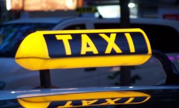 Пасажир забрав 4 тисячі у таксиста